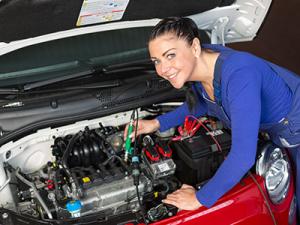 women and car repairs