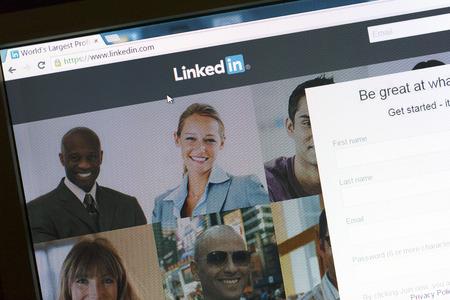 Communicate on Linkedin