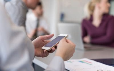 """Banning phones in meetings – """"present but absent"""""""